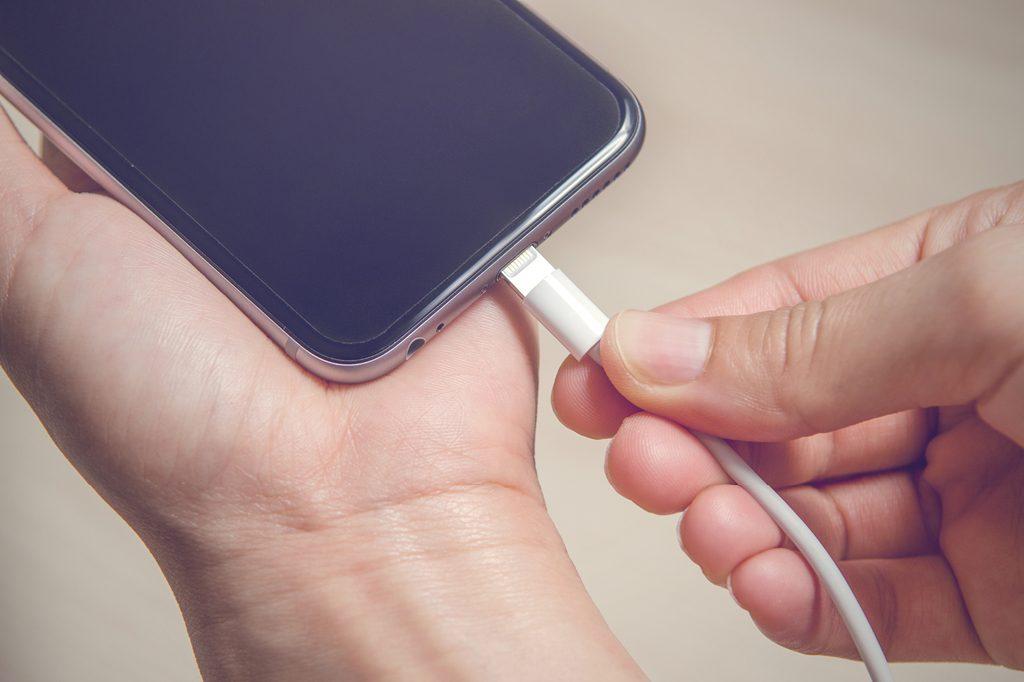 Carregador do iPhone Troca de tela troca de display troca de bateria assistência especializada apple